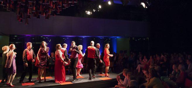 Optreden van KOORbusiness, het koor van de provincie Noord-Brabant.